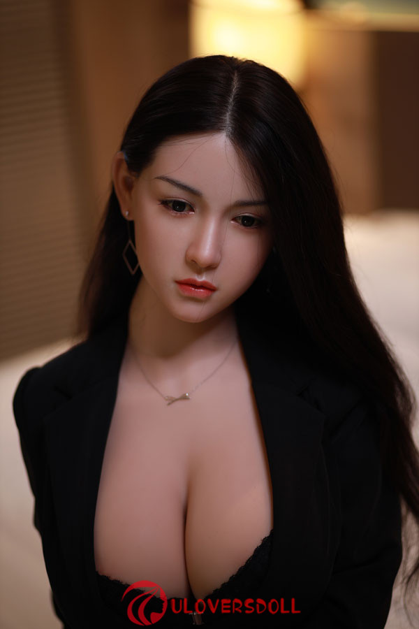 Perfect realistic 170cm silicone head sex TPE doll from Asia