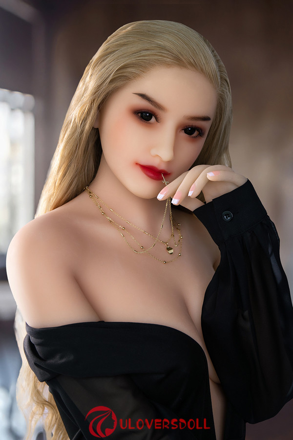 D cup sex doll