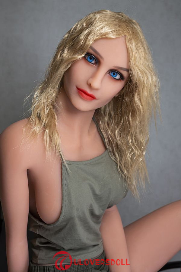 lifelike tpe sex doll