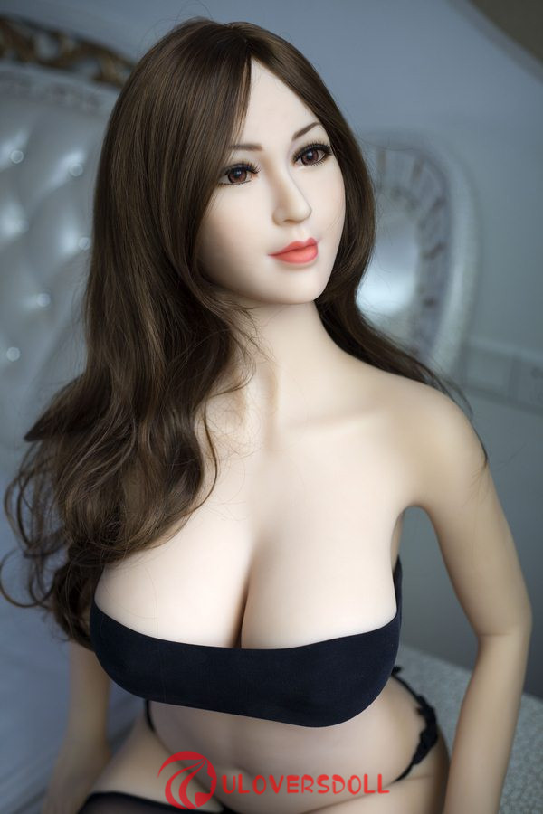 big boobs sex doll