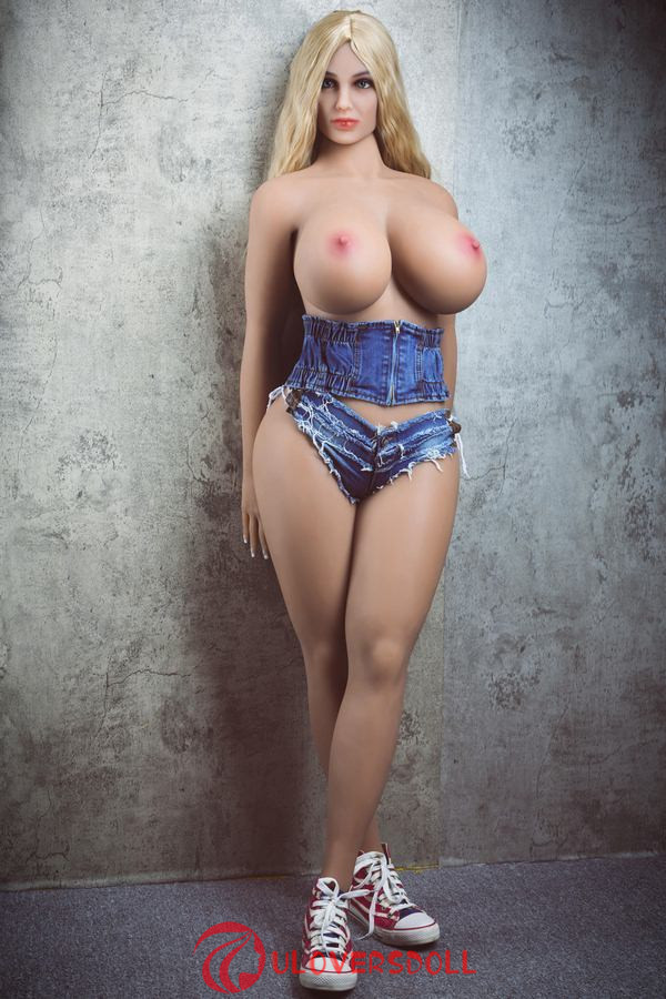 small boobs sex doll