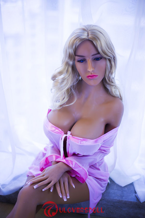 beautiful sexy dolls