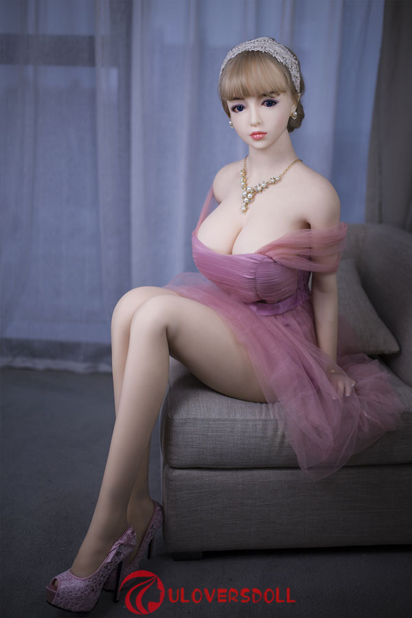 realistic tpe sex doll