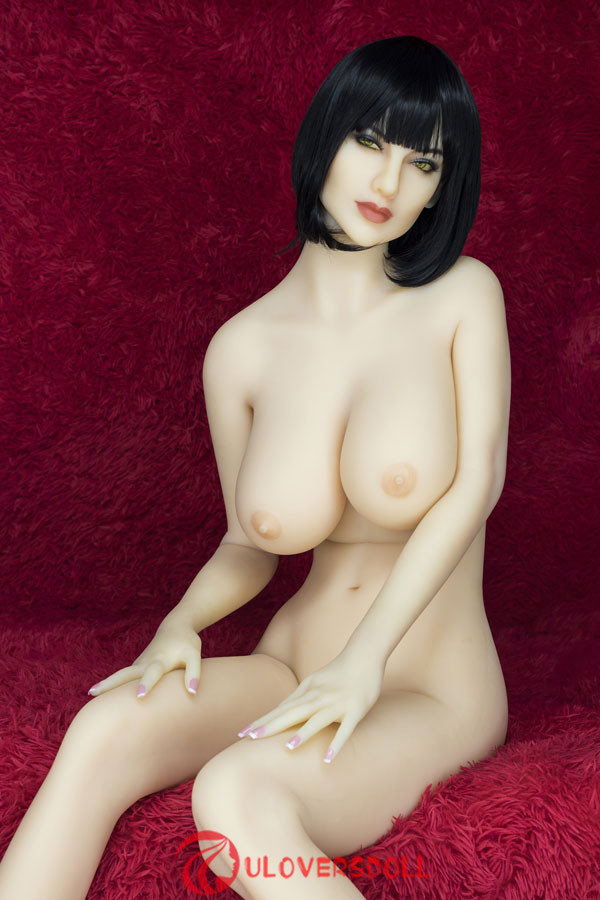 Huge Boobs sex doll