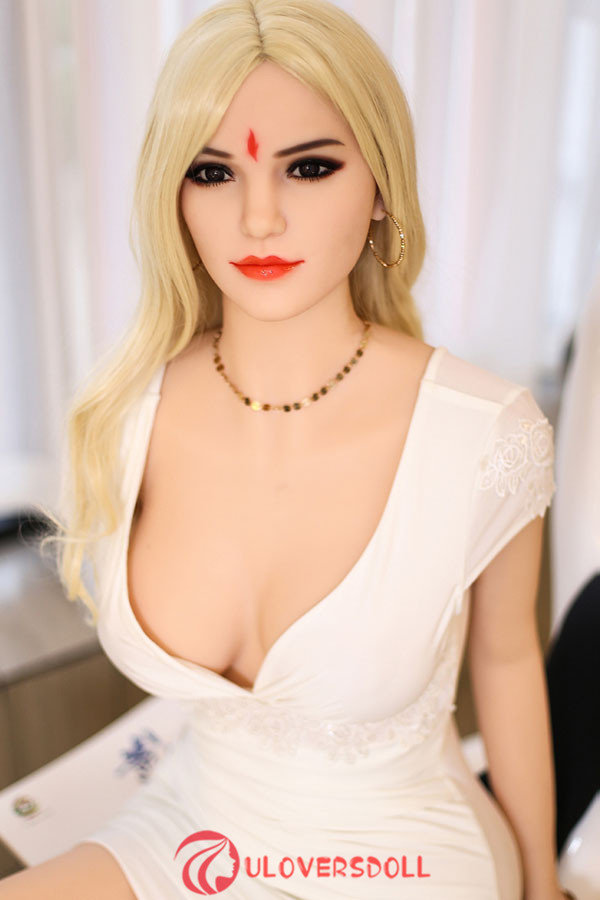 blond B-cup sex doll 165cm