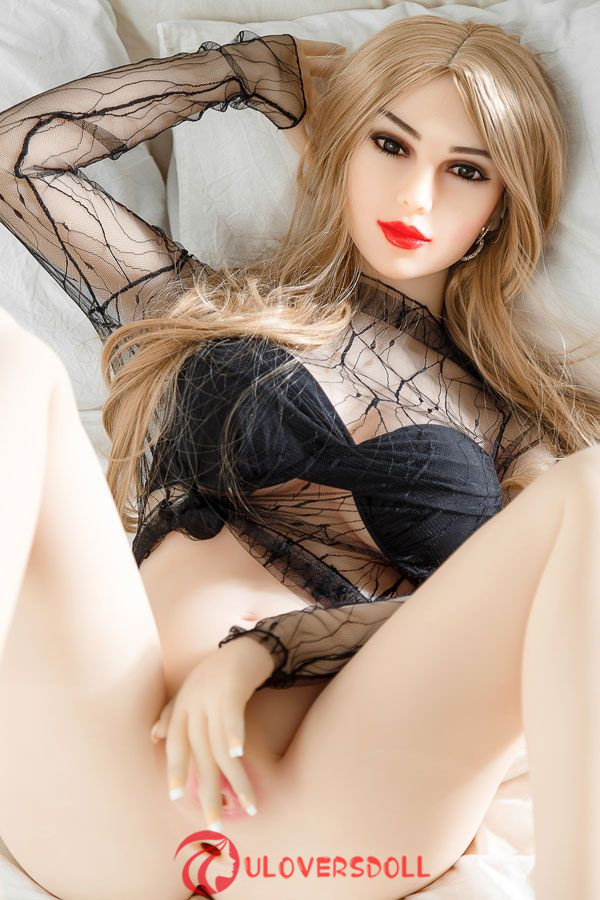 D-cup blonde tpe doll